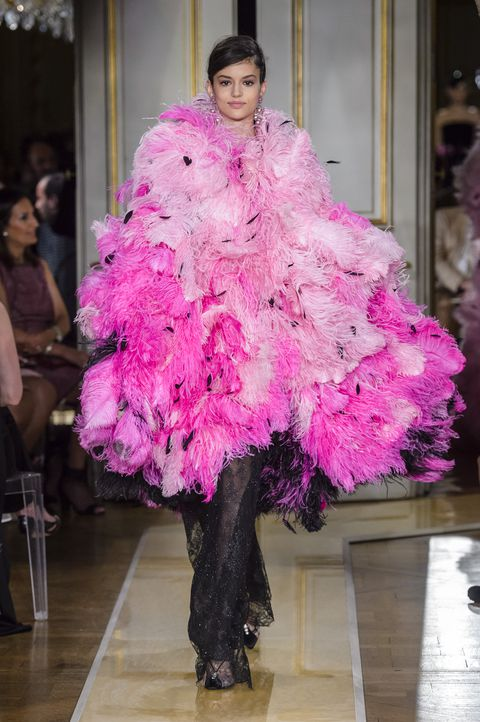 От фуксии до пыльной розы — 9 розовых платьев, которые нас покорили (фото 20.2)