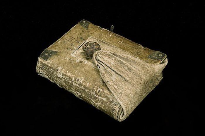 2. Поясная книга (1589 год) в мире, книги