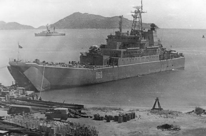 ВМБ Камрань называли «пистолетом, приставленным к виску Тихоокеанского флота США». /Фото: pnp.ru