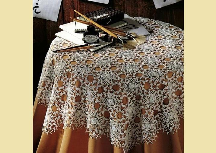 Красивая простая скатерть