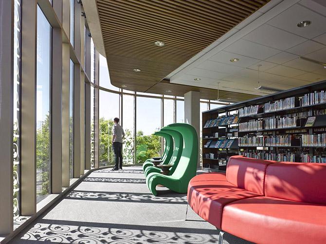 Публичная библиотека в Канаде