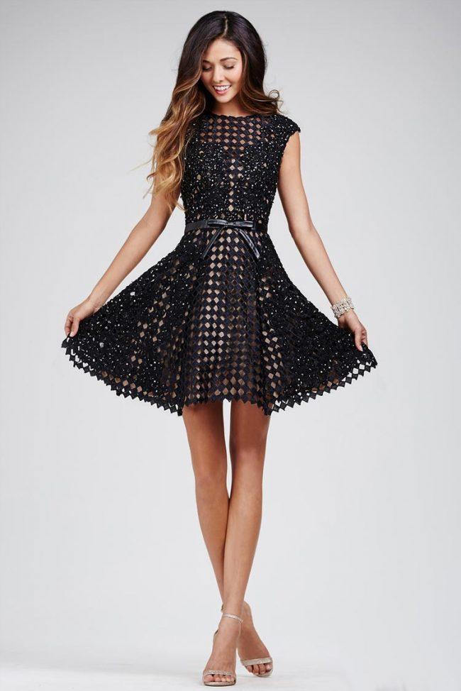 bca84200332 Маленькое черное платье - тренд весенне-летнего сезона 2017 ...