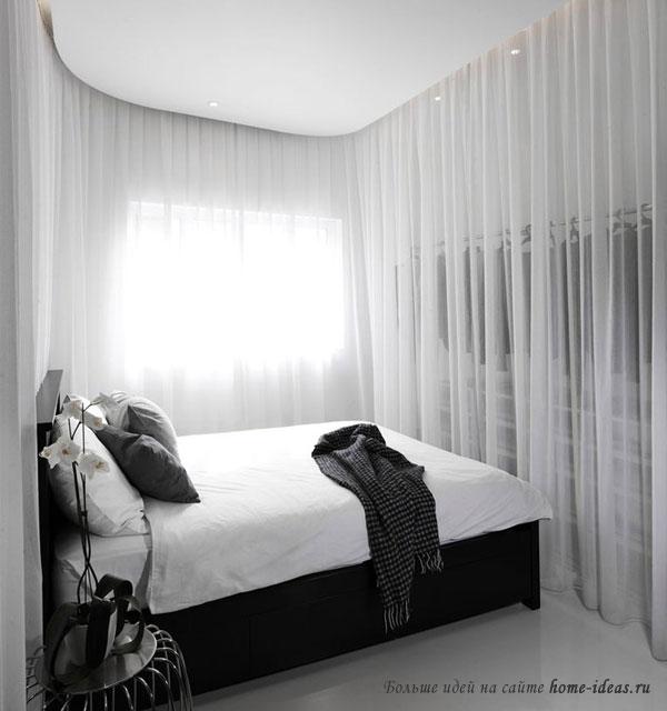 Романтичная спальня с драпировкой