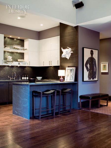 Интерьер квартиры в темно-коричневых тонах!