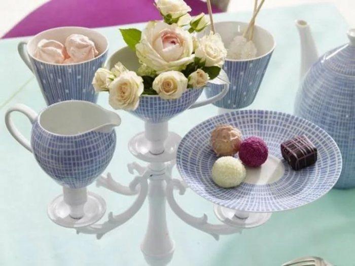Подставка для фруктов и сладостей из посуды.