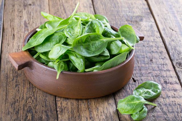 Активные вещества в составе шпината понижают уровень гомоцистеина в организме