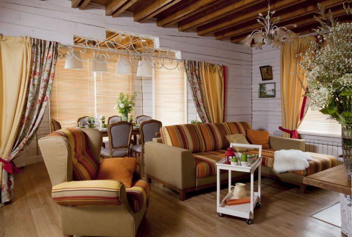 интерьер гостиной в загородном доме в стиле прованс