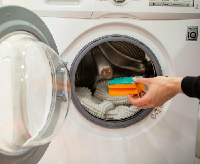 Смягчитель и ароматизатор для белья.   Фото: fb.ru.