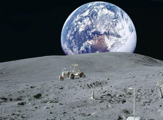 Интересные факты о звездах,  Темная сторона луны