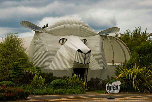 Здание Овца (Tирау, Вайкато, Новая Зеландия)