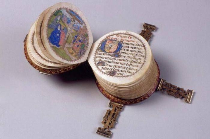 1. Миниатюрная круглая книжка (1480 год) в мире, книги