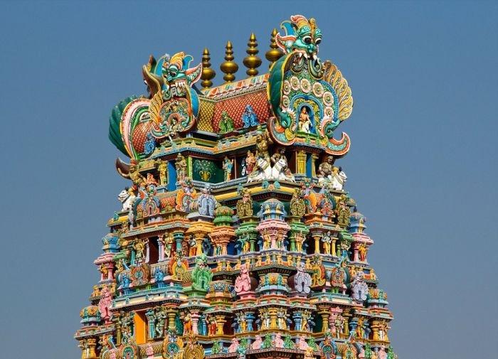 unikalnye-skulptury-indijskogo-xrama-minakshi-v-indii-9