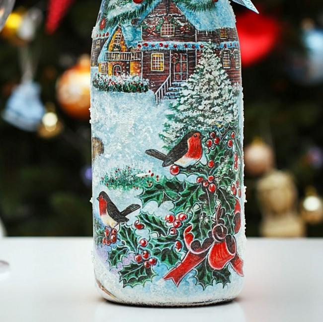 Гостей на празднике Нового Года обязательно удивят и порадуют бутылки шампанского, украшенного в технике декупаж
