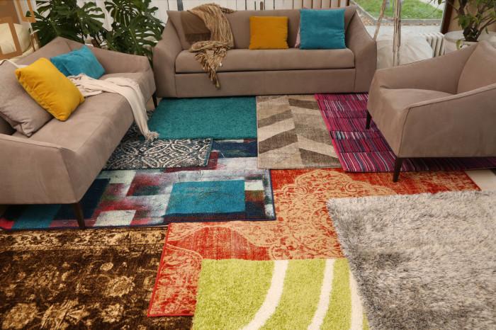 Много тепла не бывает, можно попросить еще парочку ковров у бабушки. /Фото: palas.by
