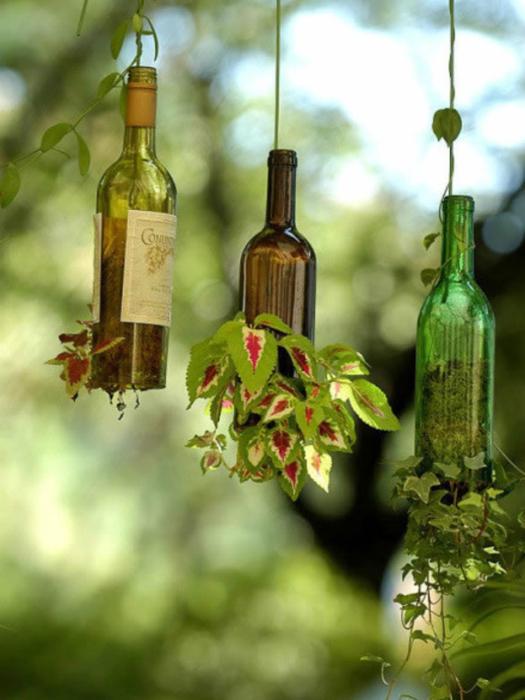 Необычные вертикальные, подвесные горшки для вьющихся растений.