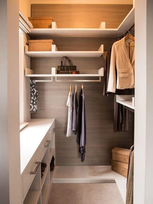 Как разместить полки в гардеробной фото
