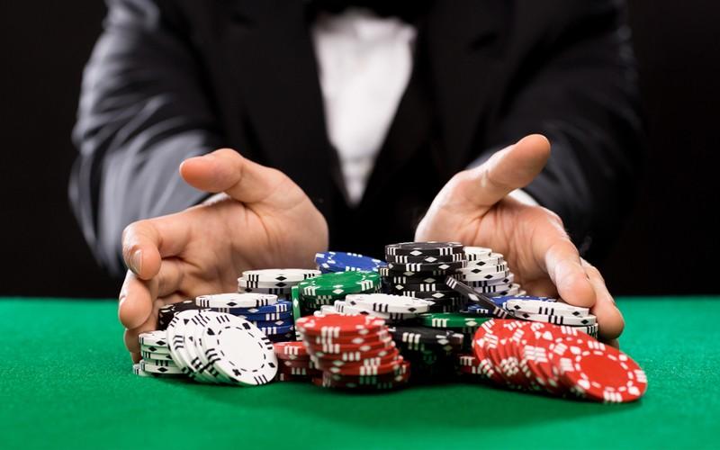 Как вы относитесь к азартным играм