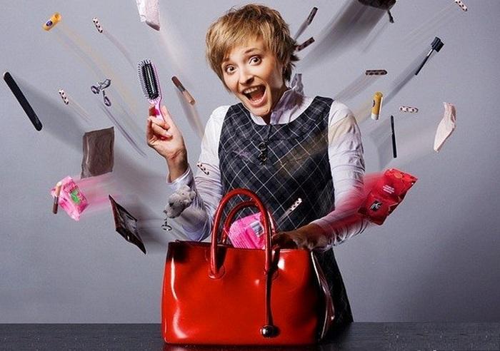 Дамская сумочка - рассадник бактерий.