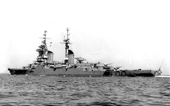 Крейсер «Адмирал Ушаков» первым удостоился чести пришвартоваться в порту Бербера, который был открыт в 1968 году. /Фото: kchf.ru