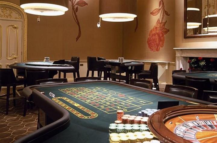 Вакансії в казино, Пітер альпініст зросли казино