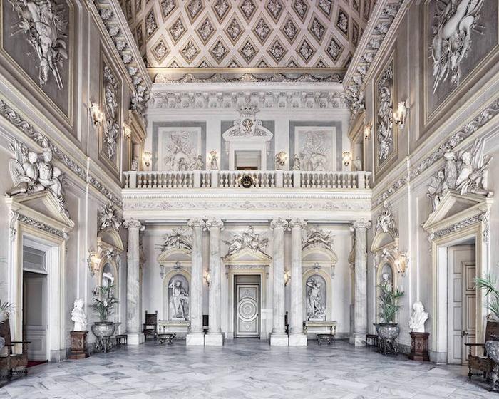 Замок Раккониджи, Италия, 2016. Фотоцикл от Давида Бардни (David Burdeny)