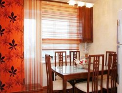 Шторы для кухни с балконной дверью!