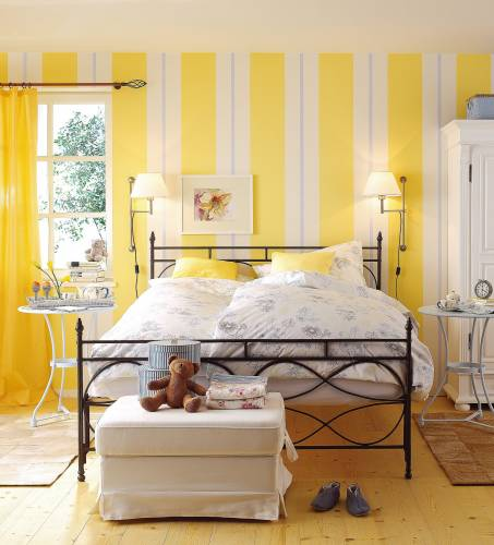 Желтый цвет - бодрящий интерьер!