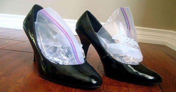 Тесные туфли можно растянуть с помощью льда. /Фото: armblog.am