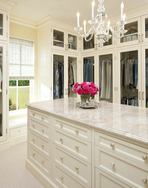 Larry E. Boerder Architects - Holloway traditional closet