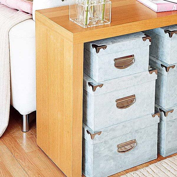 Коробки могут одновременно украшать квартиру