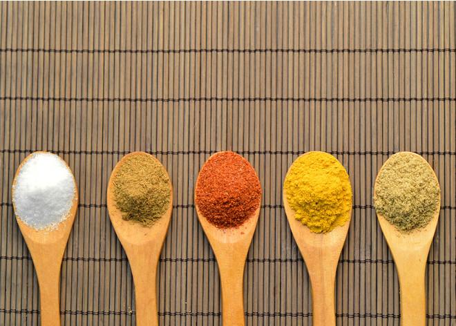 Правильное питание: чем можно заменить соль (фото 6)