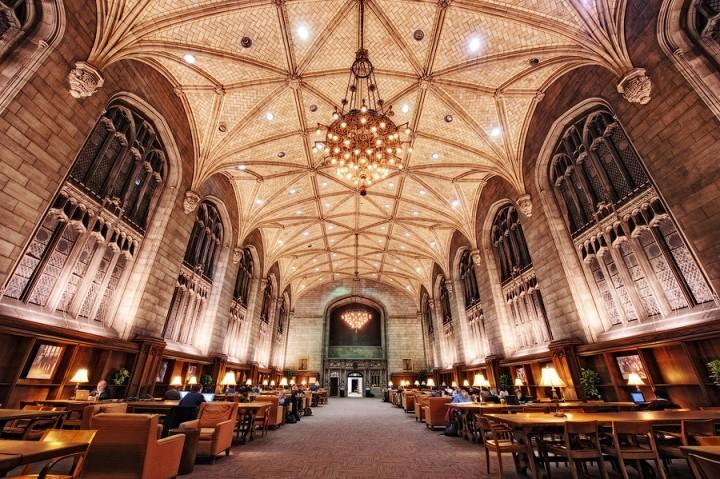 library08 Топ 10 самых красивых университетских библиотек мира