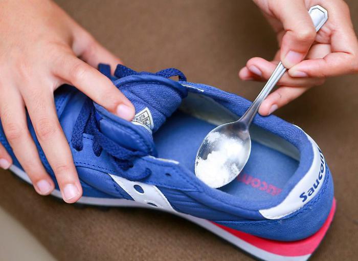 Освежить кроссовки.