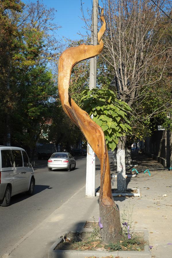 derevyanniestatui 9 Деревянные скульптуры в Симферополе