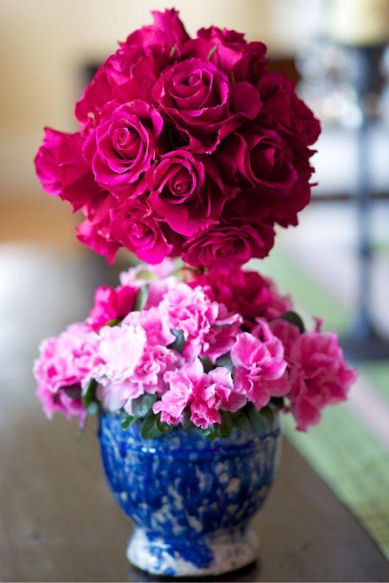Топиарий из живых цветов для праздничного стола