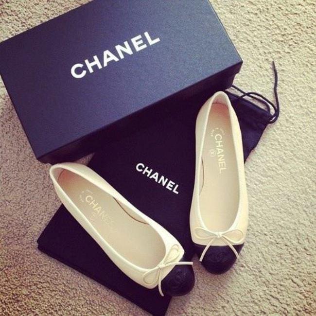 Обувь и аксессуары в стиле Коко
