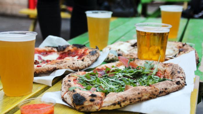 Согласно другим научным исследованиям, на усиление голода также действует алкоголь. /Фото: cdn.foodism.co.uk