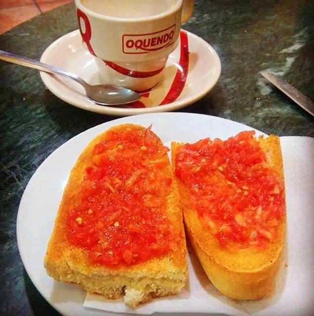 Хлеб с помидором по-каталонски