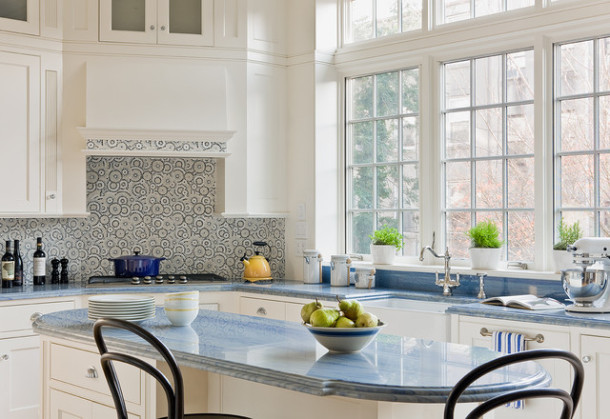 Как использовать мозаику в интерьере кухни