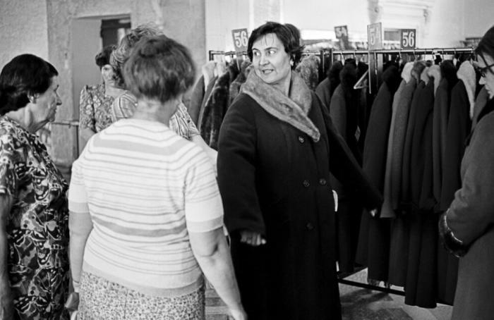 Пальто с воротниками, например, из чернобурки служили годами, а потом их еще могли и «обновить», поменяв лицевую сторону / Фото: just-interes.ru