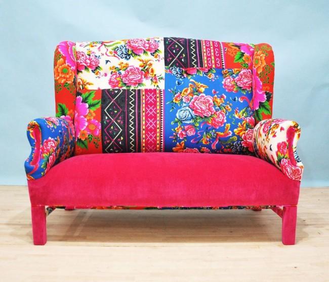Мягкий не раскладывающийся диванчик из ярких лоскутов