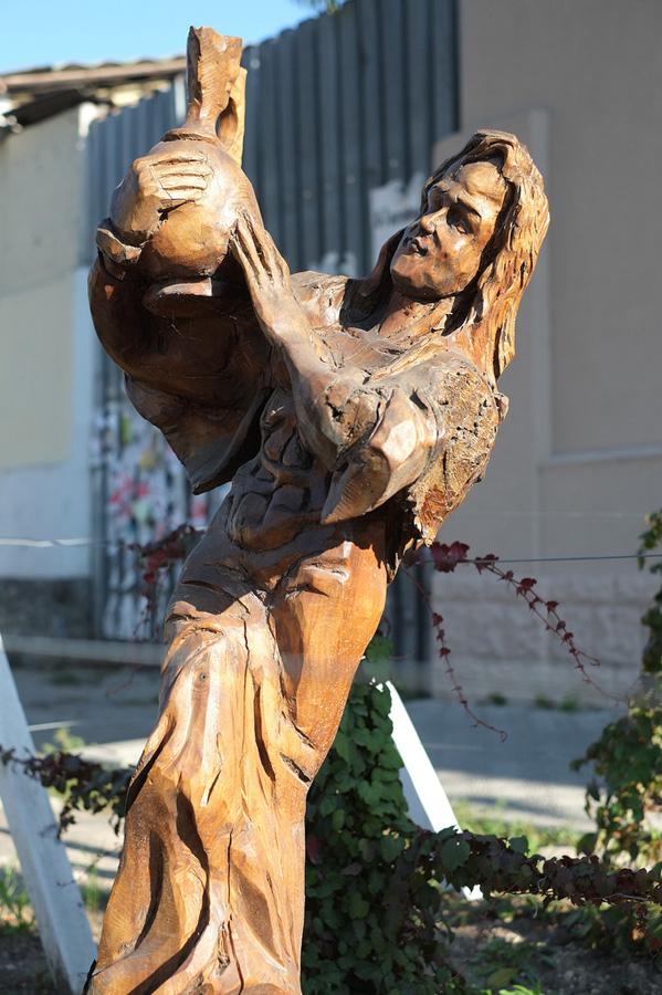 derevyanniestatui 4 Деревянные скульптуры в Симферополе