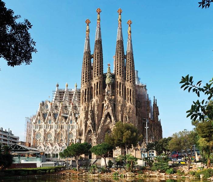 Храм Святого Семейства. Барселона. Автор проекта: Антонио Гауди.