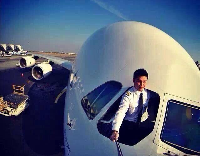 2232bc13fbf4e5552101d63542414f4e Люси в небе с алмазами: селфи пилотов самолетов