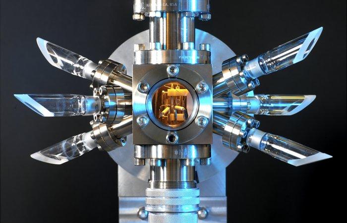 Цезий используется в атомных часах.