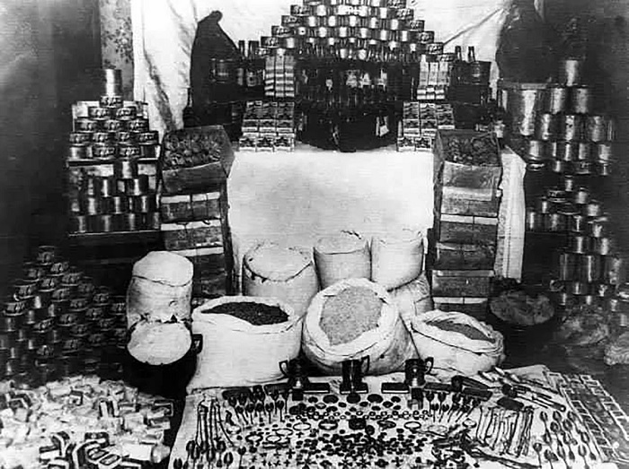 ОПГ «ЗИГ-ЗАГ» из блокадного Ленинграда украла 17 тонн продуктов./Фото: avatars.mds.yandex.net