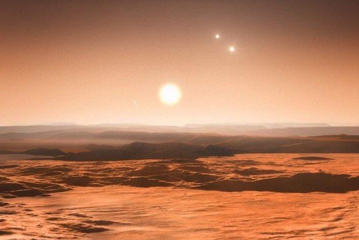 Аномальное небесное тело: Юпитер с тремя Солнцами.