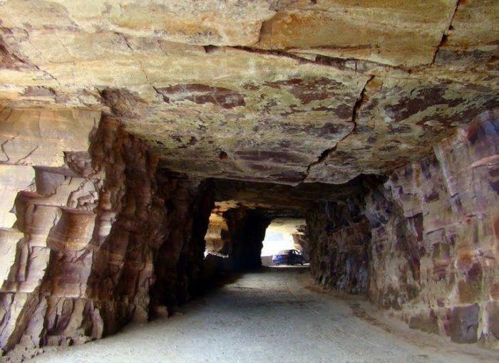 Очень старый тоннель.