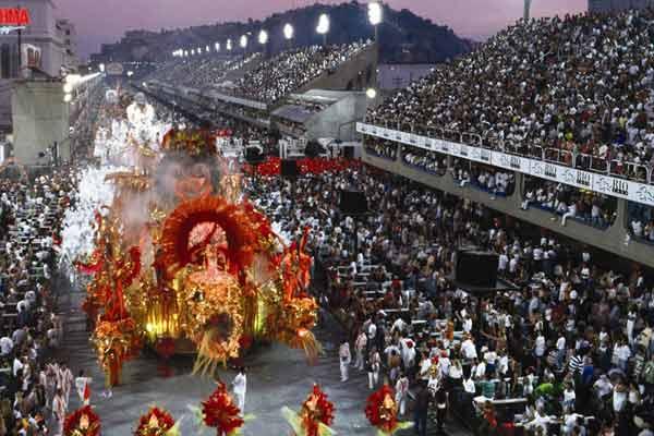 Карнавал Рио - парад школ Самбы