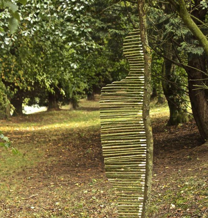 Необычный ленд-арт из природных материалов от художника Джемса Бранта.